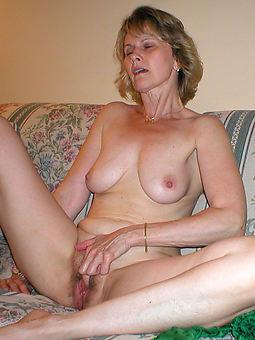 naked hairy amateurs seduction