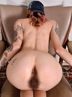 hairy ass females porn pic