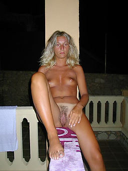 queasy milf pussies free naked pics