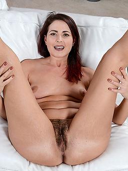 hairy horny milfs porn galleries