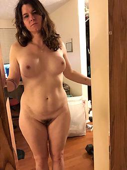 amature hairy brunette