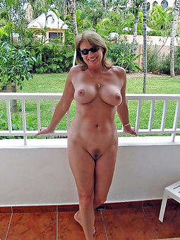 hairy pussy outdoors unorthodox unclad pics