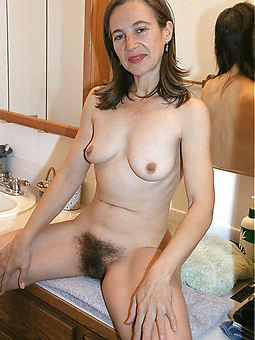 porn pictures of Victorian amateur solo