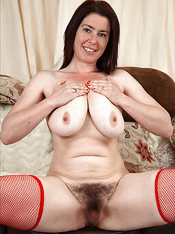 second-rate naked hairy brunettes stripping
