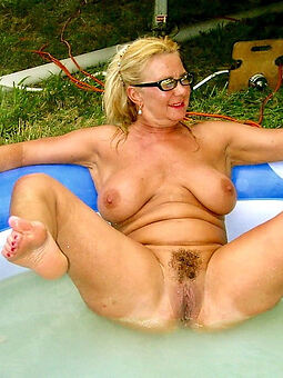 nice perishable blonde pussy photos