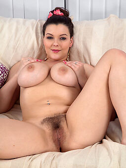 grown-up chubby tits hairy pussy amature porn