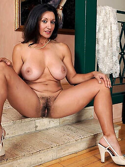 hairy women beamy tits amatuer