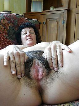 unshaved woman unorthodox nude pics