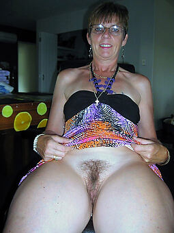 lovely housewife soft pussy photo