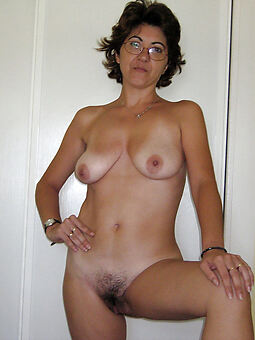 lovely hairy moms twit