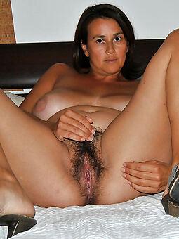 hotties naked Victorian brunette