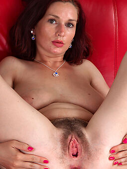first seniority hairy pussy amature making love pics