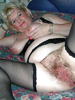 pretty mature hairy vagina nude