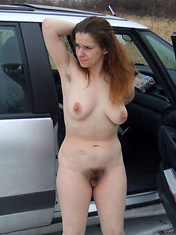 pretty Victorian pussy outdoors hot pics