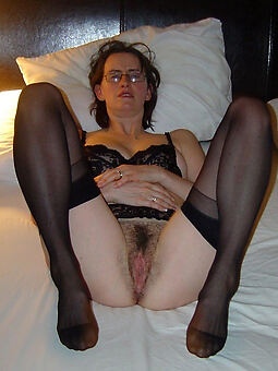puristic pussy in stockings