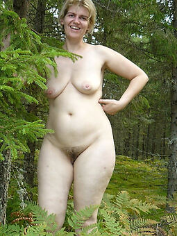 hot hairy outdoor pussy free porn pics