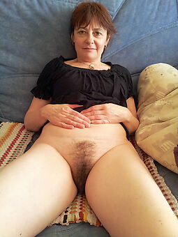 nice unshaved pussy nude pictures