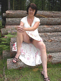 porn pictures of sexy flimsy upskirt
