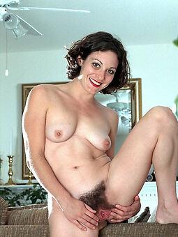 bare-ass puristic women pics