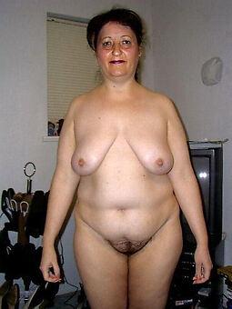 chubby hairy pussy blue porn pics