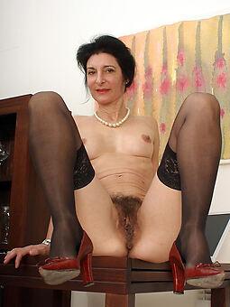 xxx Victorian brunette pussy pics