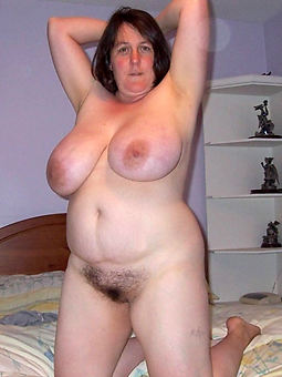 natural broad in the beam moms hairy pussy