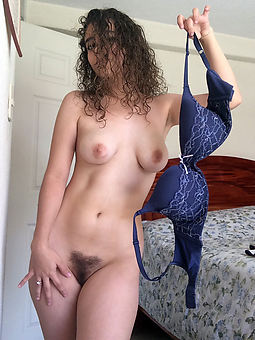 hairy cute girls amateur nude pics