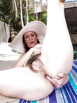 sweet puristic ladies masturbating pics