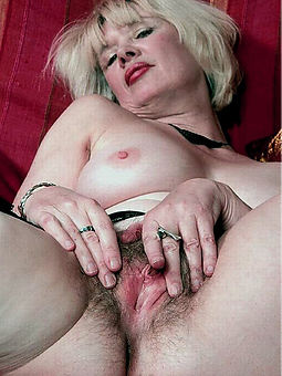 natural hairy wife galleries