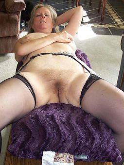 free hairy wife pussy pics