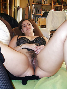 natural hairy wifes pussy