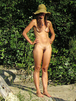 skinny hairy amateur
