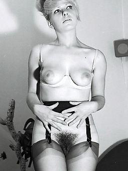 retro Victorian women porn pic