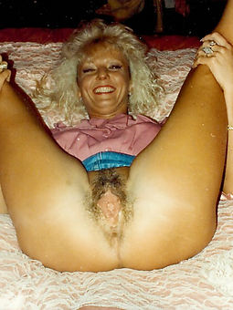 natural hairy retro women