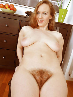natural sexy hairy redhead