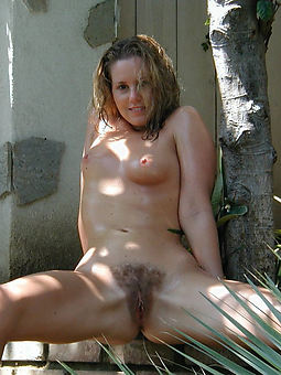 natural and hairy women truth or dare pics
