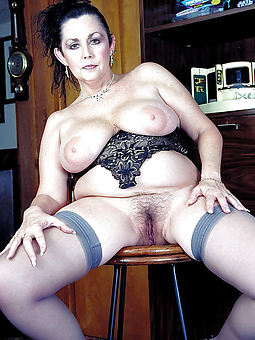 pictures of natural nude hairy women