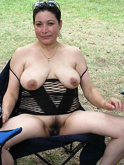 mature moms hairy hot porn pics