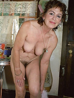 hairy amature moms seduction