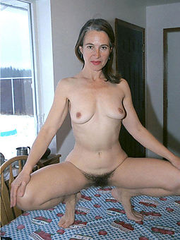 small tit hairy porn galleries