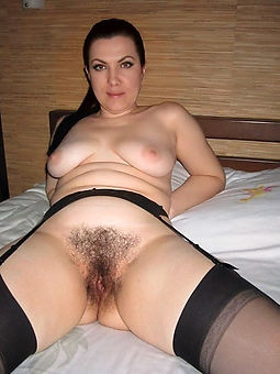 very hairy old pussy pic