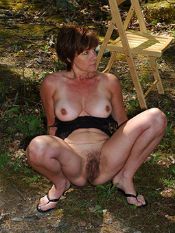 mature hairy amateurs