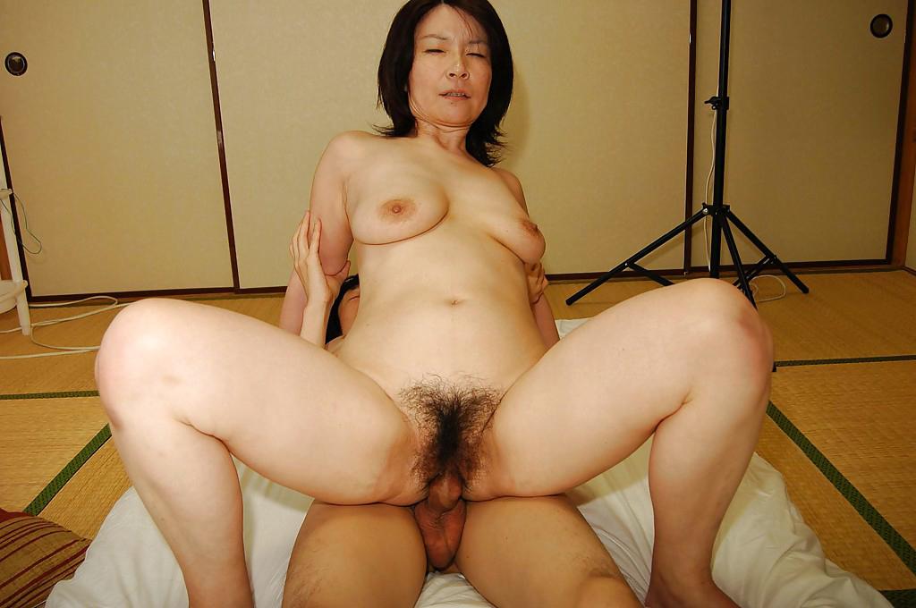 hairy vagina fucked porno pics