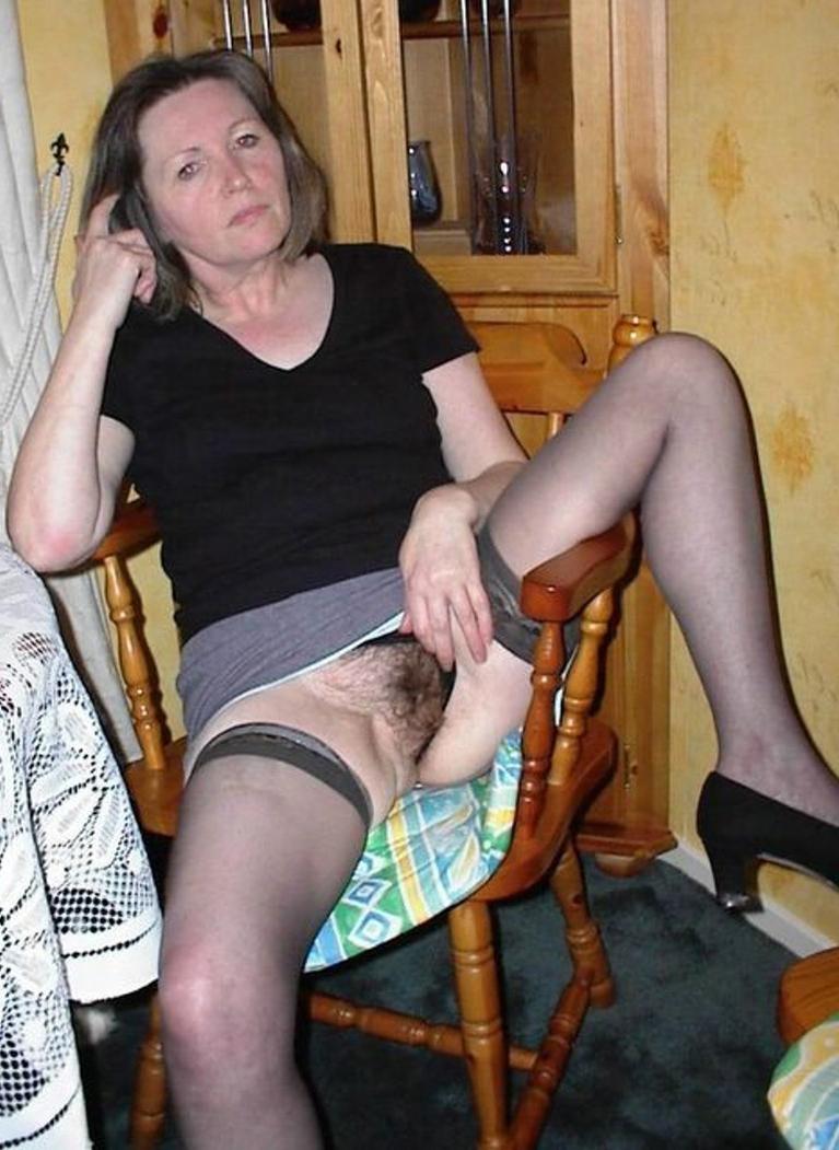 mature hairy upskirt strip