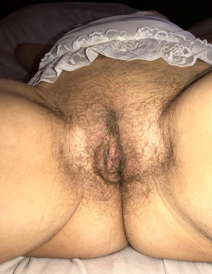sexy Victorian close concerning pussystripping